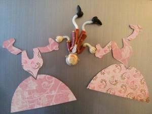 Rokokó hűtőmágnes DIY papírból